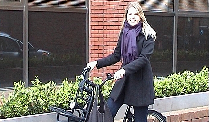 Angelique Meyer on her bike in Manchester