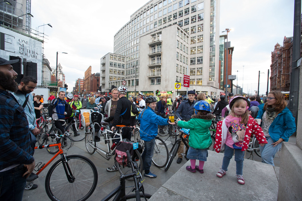 People of all ages gather in St Peter's Square ready for Manchester's first #space4cycling ride